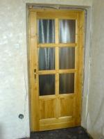 Üveges fa beltéri ajtó