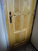 Panel lakás beltéri ajtó