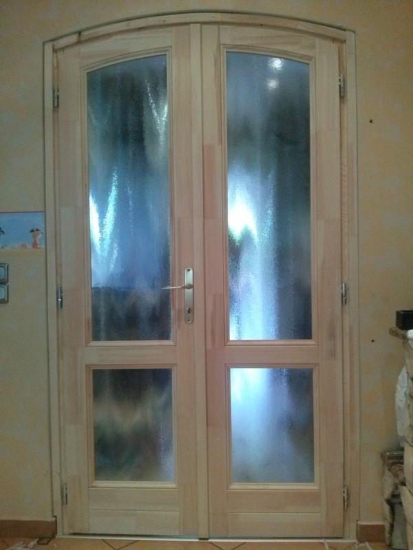 Kétszárnyú beltéri ajtó